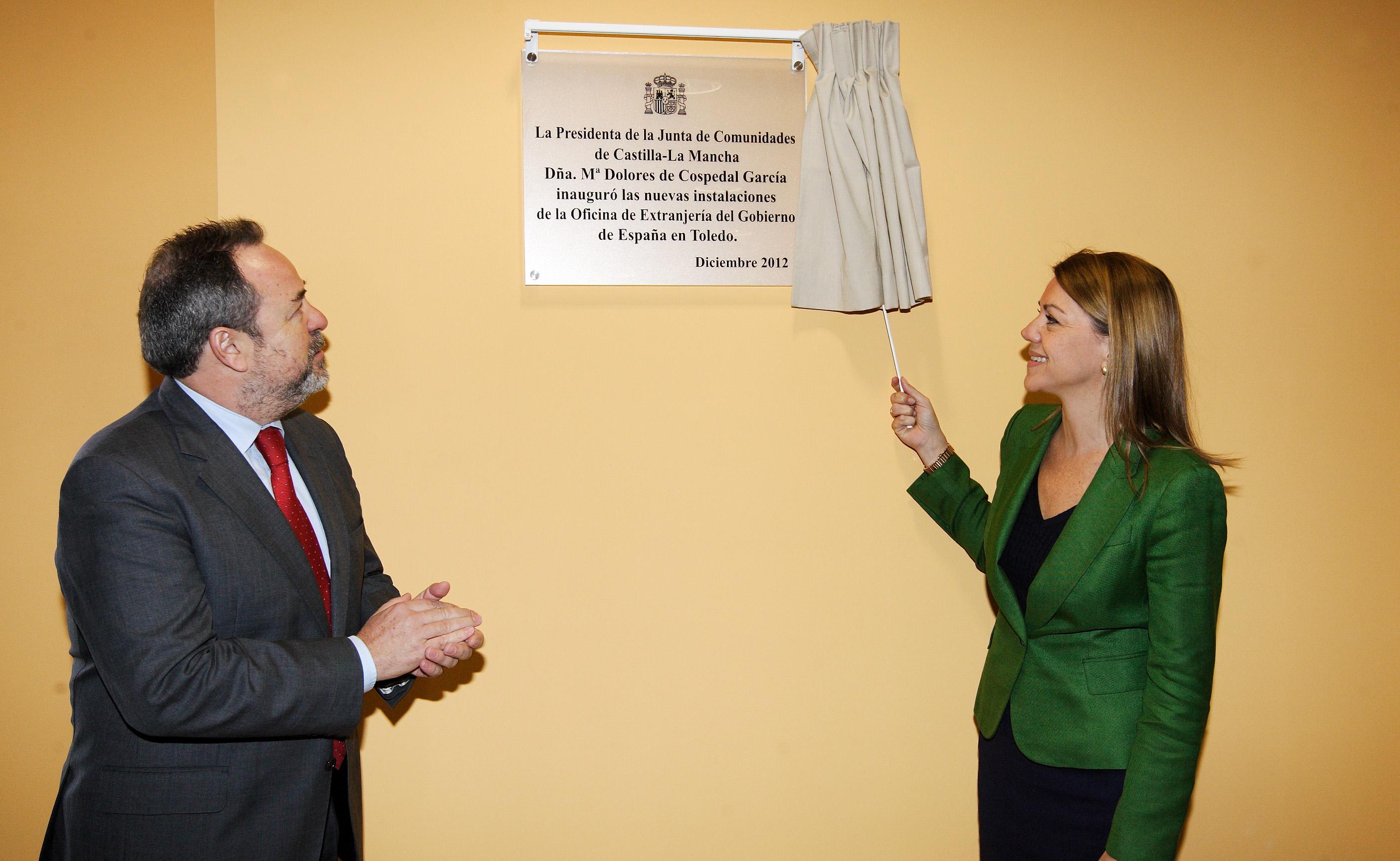 cospedal inaugura la nueva oficina de extranjer a de