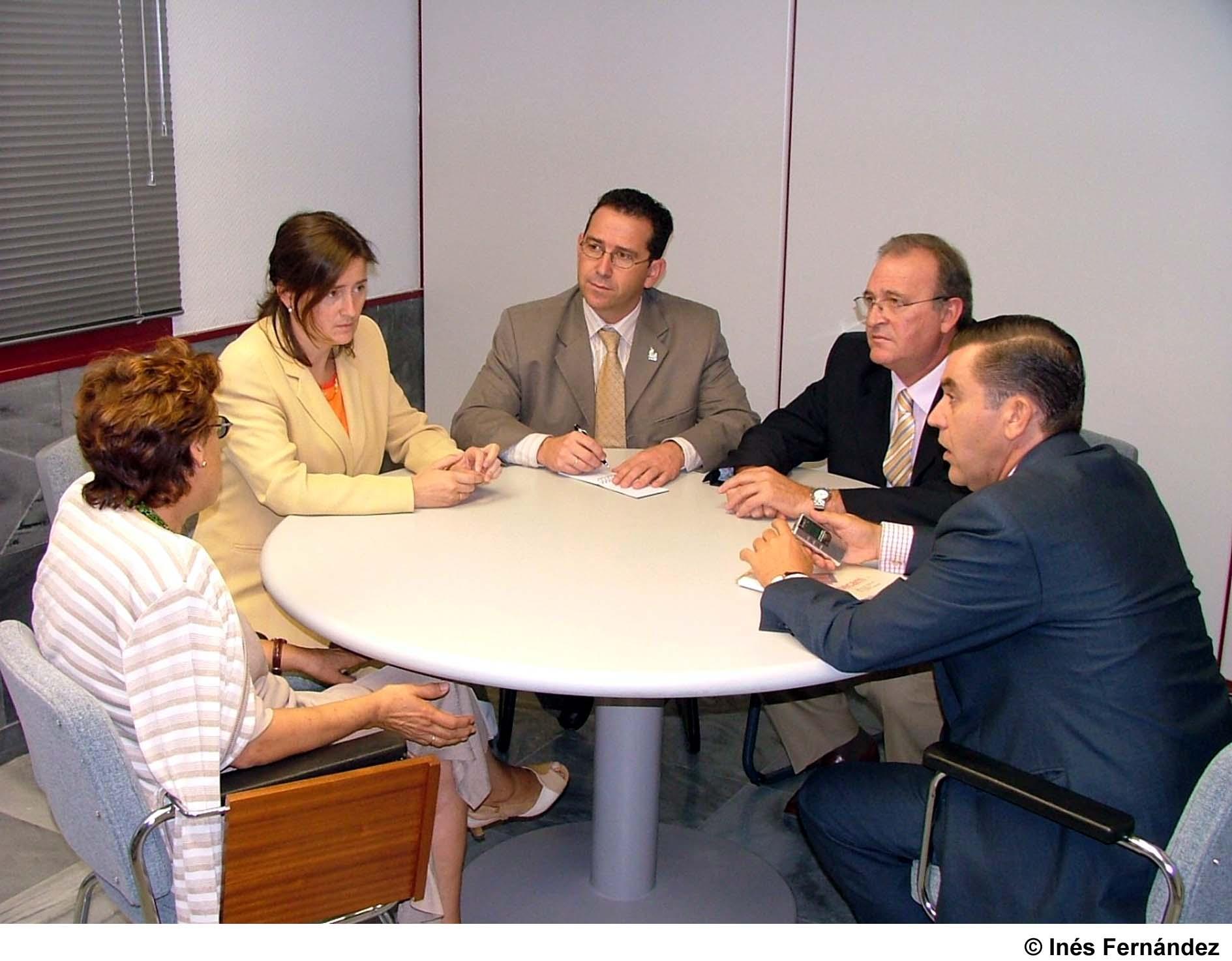 Trabajo y empleo realizar obras de mejora en la oficina for Bolsa de trabajo oficinas de gobierno