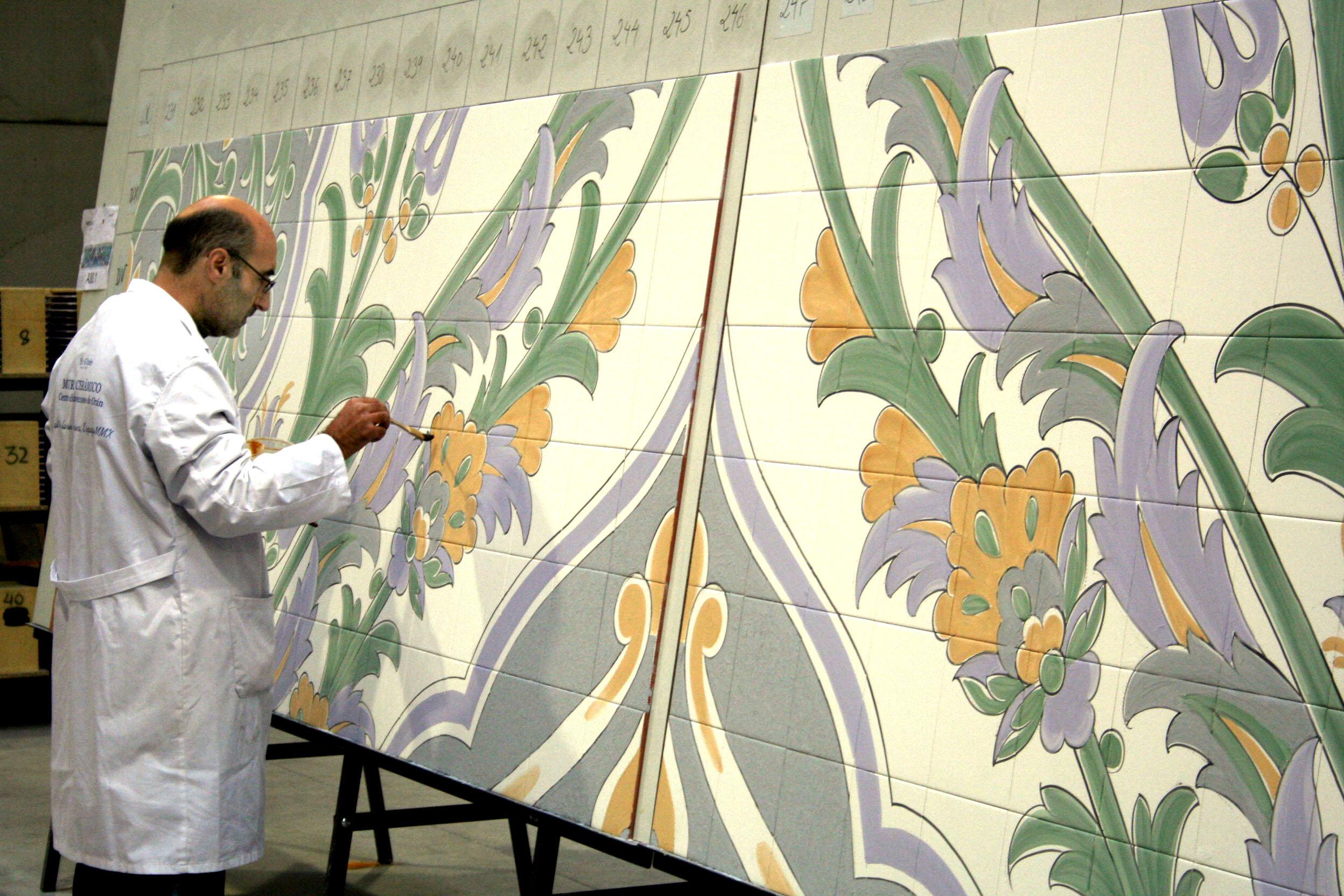 Barreda viaja a talavera de la reina para ver el mural - Murales de ceramica artistica ...