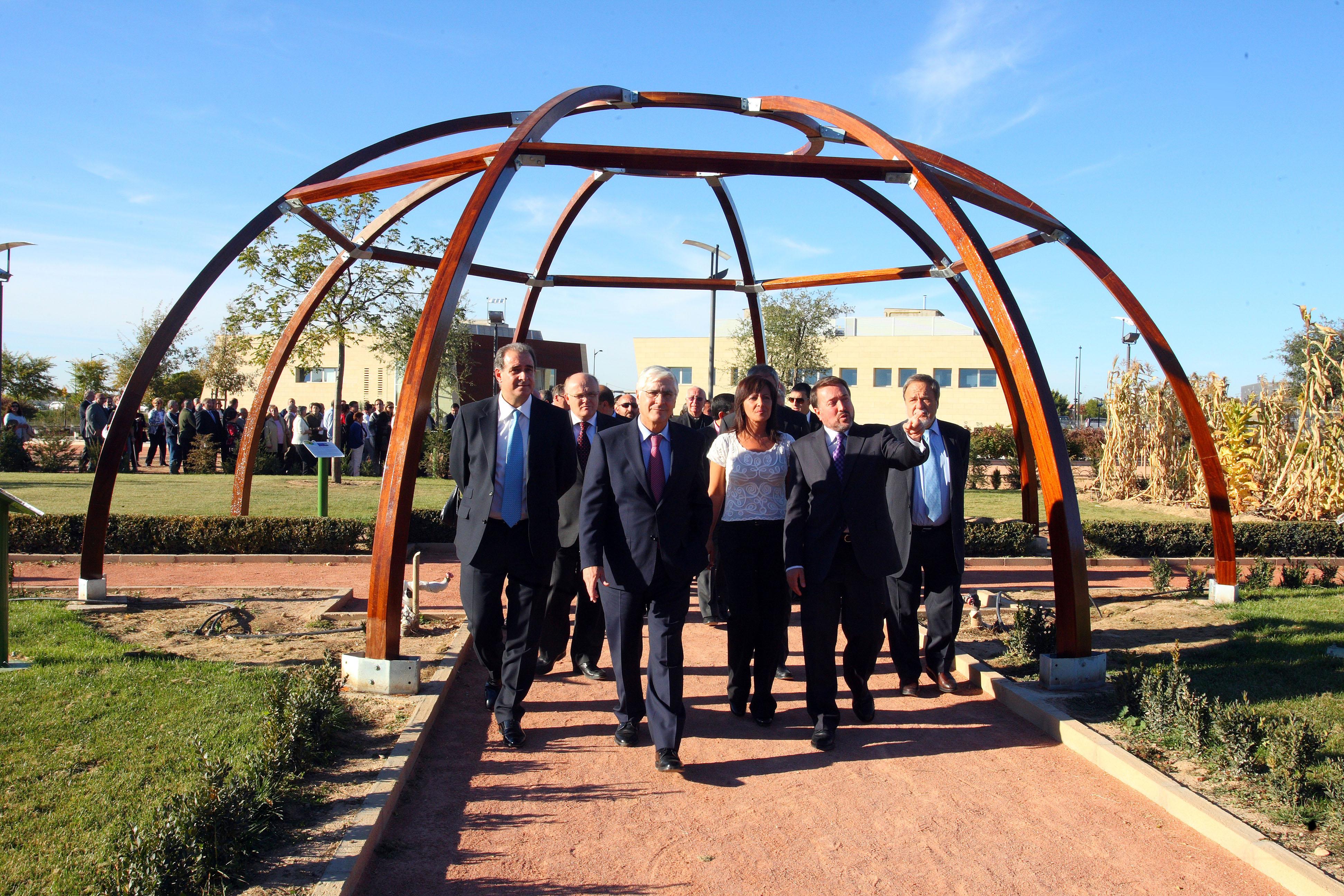 Albacete se suma a la red de 14 ciudades de espa a que for Jardin botanico castilla la mancha