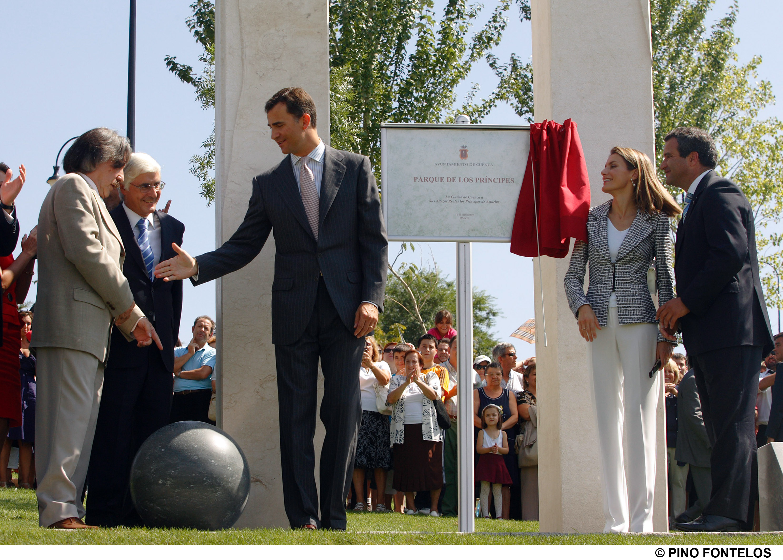 El Presidente De Castilla La Mancha Jose Maria Barreda Acompano A