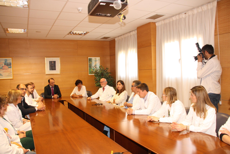 La directora gerente del SESCAM se ha reunido hoy con profesionales del hospital Virgen de la Luz de Cuenca