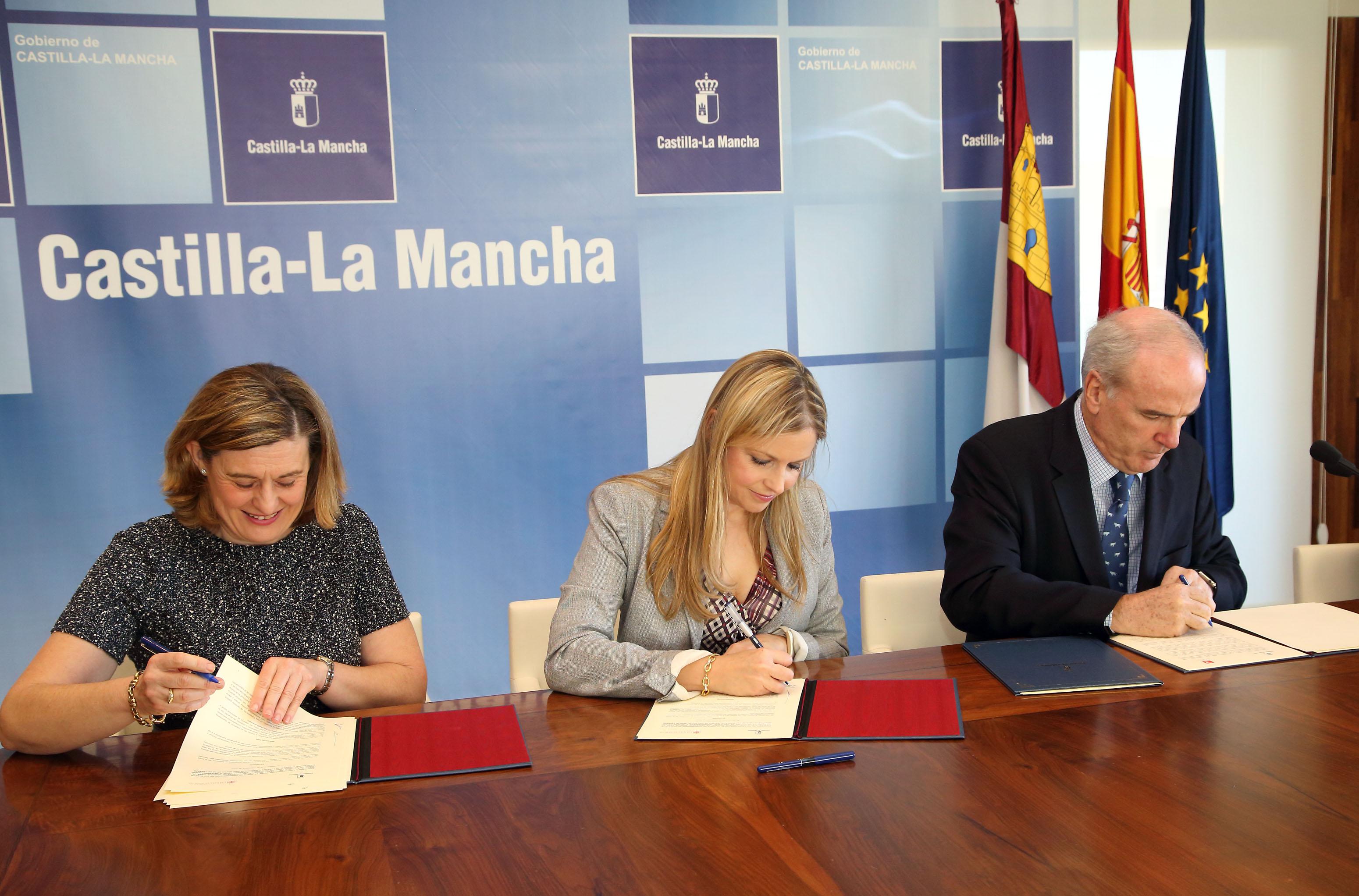 El acuerdo del gobierno regional con notarios y for Oficina virtual de castilla la mancha