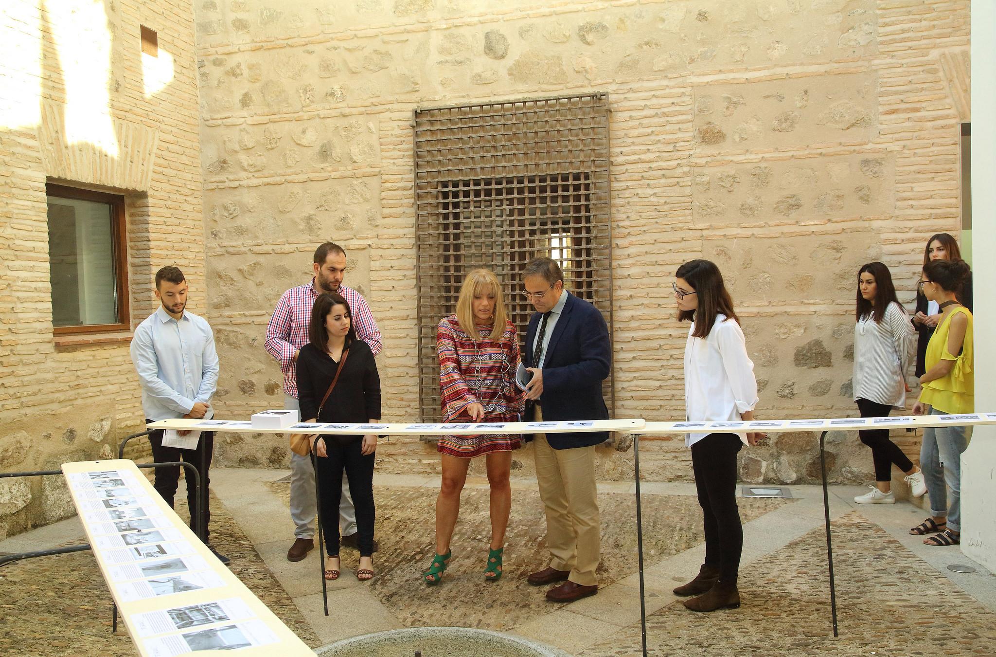 El Viceconsejero De Cultura, Jesús Carrascosa, Inaugura La Exposición U0027 Arquitectura Contemporánea En La Provincia De Toledou0027