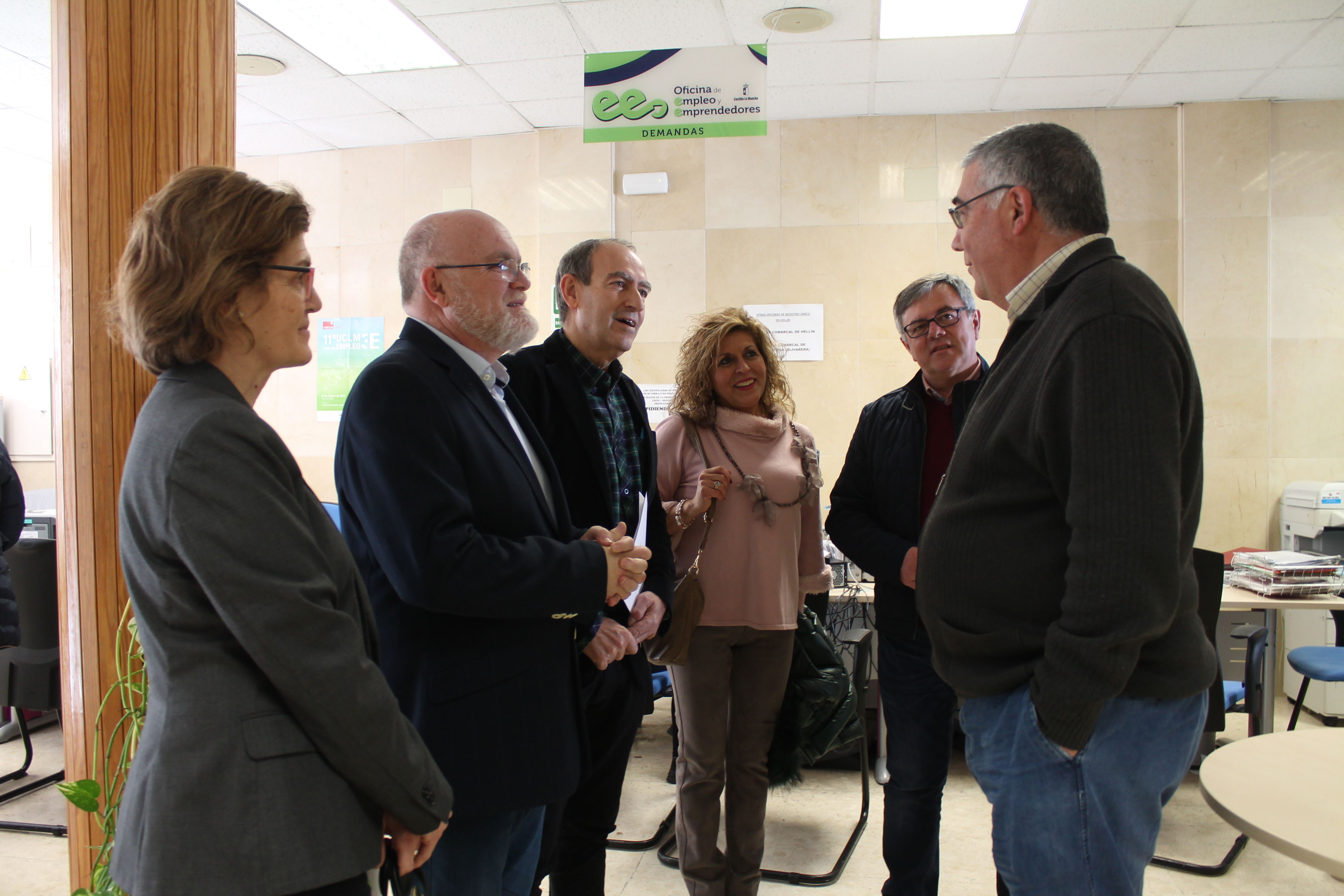 Ruiz santos visita la oficina de empleo de hell n y for Oficina correos albacete