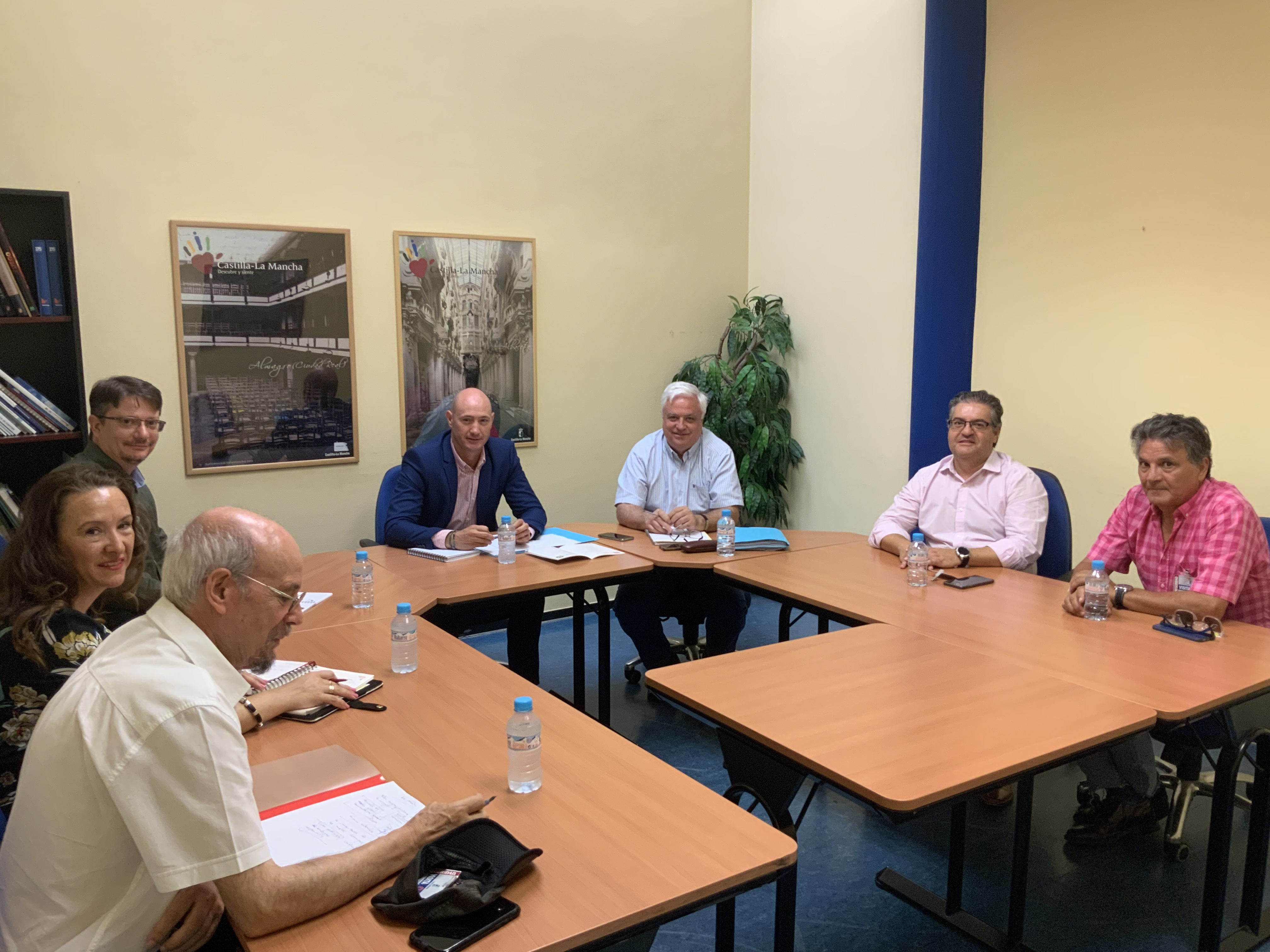 El Gobierno de Castilla-La Mancha se reúne con el Consejo de Consumidores y Usuarios de la región