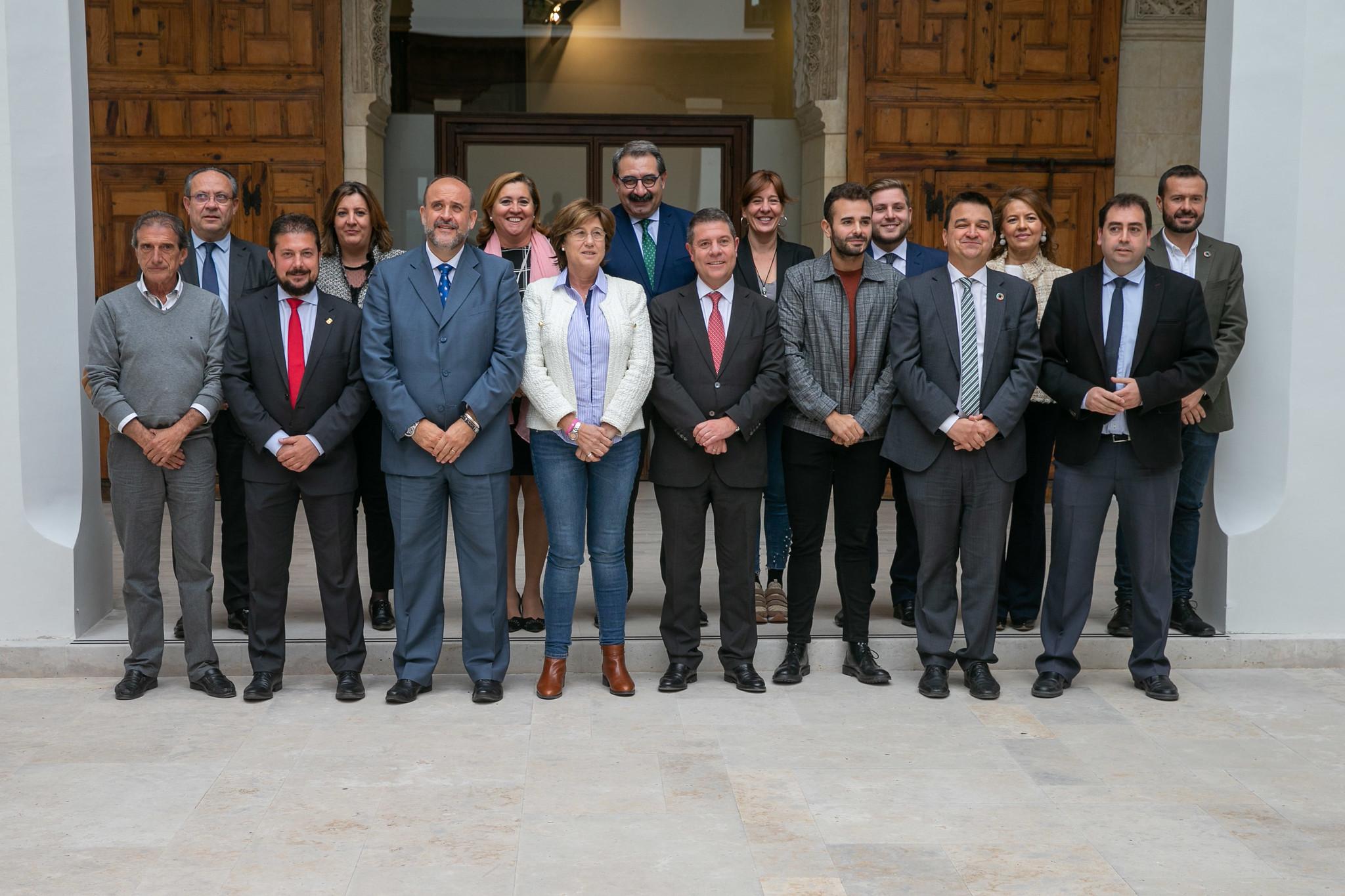 El presidente de Castilla-La Mancha, Emiliano García-Page, preside el Consejo de Gobierno abierto a representantes de los municipios ribereños de Entrepeñas y Buendía
