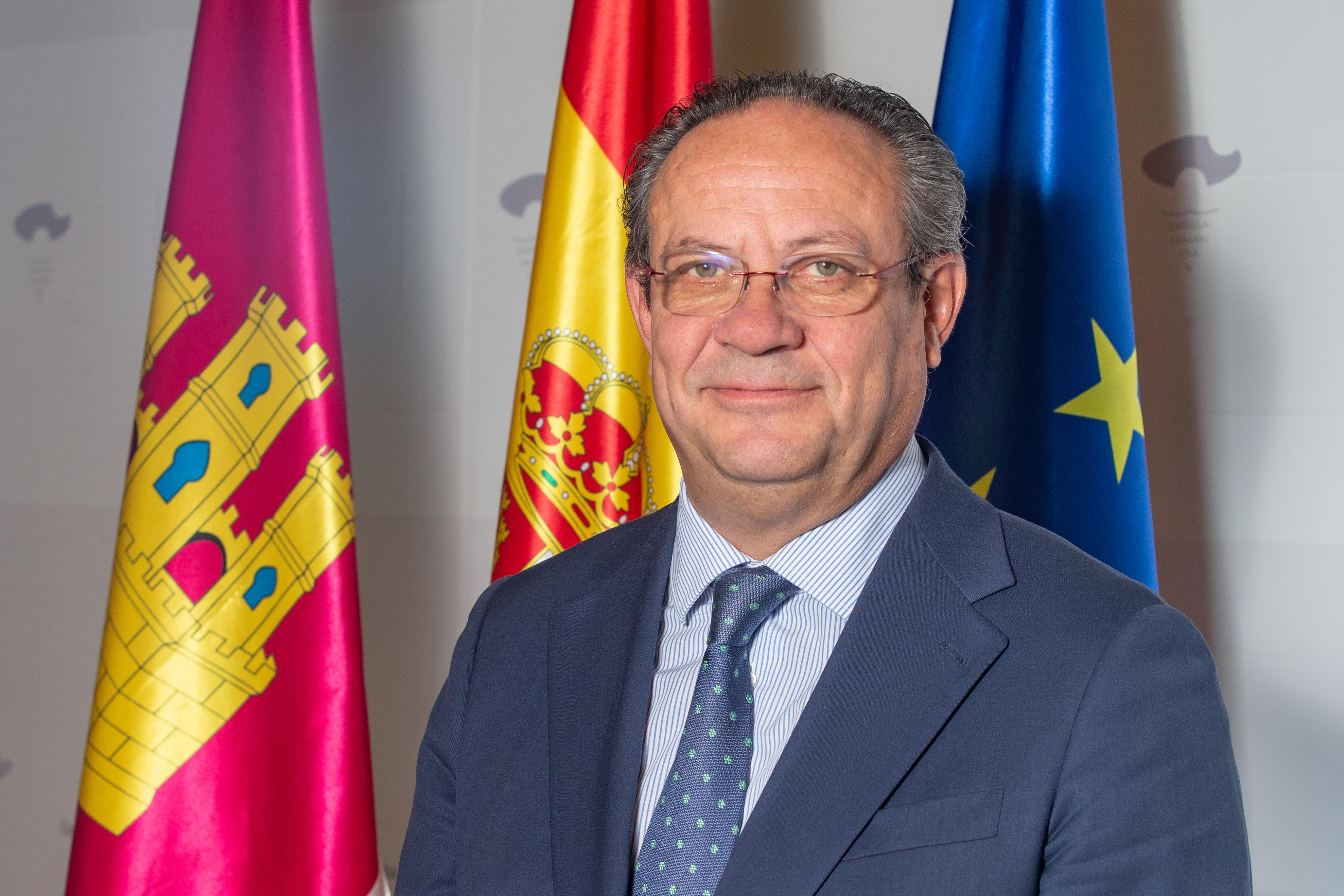 Artículo de opinión del consejero de Hacienda y Administraciones Públicas, Juan Alfonso Ruiz Molina, con motivo del Día Internacional de la Protección Civil, 1 de marzo
