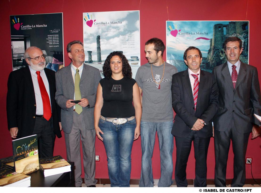 Presentado en la oficina de turismo de castilla la mancha for Oficina de turismo albacete