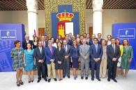Foto de familia con la presidenta Cospedal