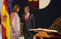 La presidenta de Castilla-La Mancha felicita al consejero de Empleo y portavoz