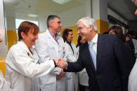 Barreda saluda al  personal sanitario del Centro de Salud Nº 1 de Albacete