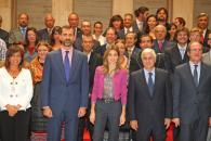 Barreda posa junto a los Príncipes de Asturias,  los Patronos del III Centenario y los embajadores de la Feria de Albacete.