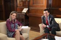 El consejero de Agricultura, Medio Ambiente y Desarrollo Rural, Francisco Martínez Arroyo durante el encuentro que ha mantenido hoy con la alcaldesa de Toledo, Milagros Tolón