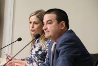 La consejera de Fomento, Elena de la Cruz, y el consejero de Agricultura, Medio Ambiente y Desarrollo Rural, Francisco Martínez Arroyo, comparecen en rueda de prensa