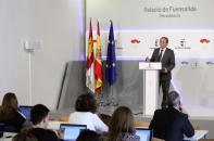 El consejero de Hacienda y Administraciones Públicas, Juan Alfonso Ruiz Molina, informando sobre el último Consejo de Política Fiscal y Financiera