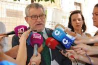 El Gobierno regional presenta a los sindicatos un borrador de acuerdo que incluye el contrato de los interinos de 1 de septiembre a 31 de agosto