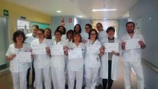 El Hospital de Tomelloso pone en marcha la campaña 'Hola yo me llamo' para mejorar la relación del profesional con el paciente
