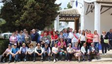 Más de 150 personas mayores disfrutan de ocio saludable en Campo de Criptana gracias a las rutas senderistas del Gobierno regional
