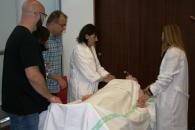 El SESCAM forma a sus profesionales para humanizar la comunicación con los familiares de pacientes en situación crítica