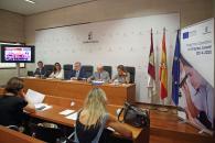 El consejero de Educación, Cultura y Deportes en funciones, Ángel Felpeto, informa  de la resolución de la convocatoria 2019 de ayudas a entidades y  presenta el proyecto de la Fundación Globalcaja Horizonte Siglo XXII, 'II Escuela Regional de Ventas'