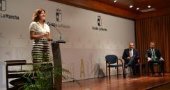 La consejera de Igualdad y portavoz del Gobierno regional, Blanca Fernández, asiste  a la toma de posesión del delegado de la Junta en Guadalajara, Eusebio Robles