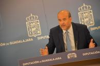 El vicepresidente de Castilla-La Mancha durante su comparecencia tras la reunión mantenida en la Delegación de la Junta en Guadalajara