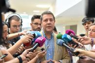 """El presidente de Castilla-La Mancha anuncia """"una catarata"""" de inversiones y una estrategia sobre empleo público a partir de octubre"""
