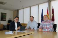Mejoras en el transporte público, educación, y servicios sanitarios y sociales fueron los ejes de la reunión entre el delegado de la Junta en Toledo y el alcalde de Nambroca