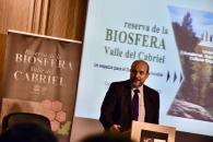 El vicepresidente de Castilla-La Mancha, José Luis Martínez Guijarro y el consejero de Desarrollo Sostenible, José Luis Escudero, asisten a la inauguración de la jornada sobre la declaración del Valle del Cabriel como Reserva de la Biosfera