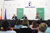 El consejero de Hacienda y Administraciones Públicas, Juan Alfonso Ruiz Molina, firma un convenio de colaboración entre la Junta de Comunidades de Castilla-La Mancha, la Fundación para la Gestión y Estudio de la Especificidad (CIEES) y Eurocaja Rural