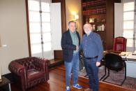 Reunión del delegado de la Junta en Albacete con el alcalde de Hoya Gonzalo