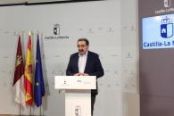 El consejero de Sanidad, Jesús Fernández Sanz, durante la comparecencia en la Delegación de la Junta en Albacete para informar del paso a Fase 3 de las provincias de Toledo, Ciudad Real y Albacete