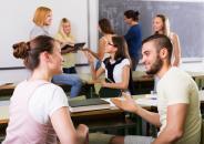 Los centros públicos de Castilla-La Mancha autorizados podrán solicitar una de las 115 plazas del programa de auxiliares de conversación del 16 al 29 de julio