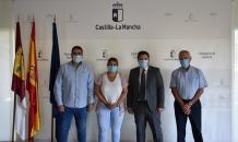 El consejero de Fomento, Nacho Hernando, se reúne con la presidenta de la Federación de Municipios y Provincias de Castilla-La Mancha, Tita García Élez