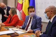 El consejero de Agricultura, Agua y Desarrollo Rural, Francisco Martínez Arroyo, mantiene, a partir de las 10:00 horas, un encuentro de trabajo con representantes de la cadena Mercadona