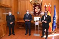 Entrega al presidente de las Cortes regionales del proyecto de Ley de Presupuestos para 2021