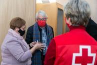 La viceconsejera de Servicios y Prestaciones Sociales, Guadalupe Martín, visita la nueva sede de la Asamblea Local de Cruz Roja en Toledo