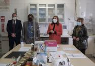 La consejera de Educación, Cultura y Deportes, Rosa Ana Rodríguez, visita el Centro de Investigación Apícola y Agroambiental de Marchamalo