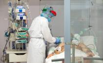 Descienden del centenar los pacientes ingresados en UCIS por coronavirus en Castilla-La Mancha