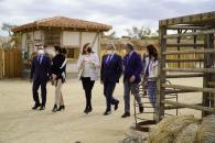 """La consejera de Educación, Cultura y Deportes y el vicepresidente de Puy du Fou España presentan el concurso escolar """"Un viaje a través de la Historia"""""""