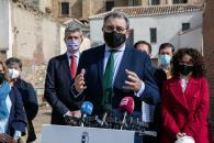 El presidente de Castilla-La Mancha, Emiliano García-Page, pone la primera piedra del Consultorio Local de Orgaz