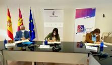 """El Gobierno regional renueva su compromiso con la población más joven con la firma del convenio """"Ciudades Amigas de la Infancia"""""""
