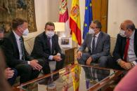 El Gobierno de Castilla-La Mancha traslada su respaldo a la empresa Mahle, referente en la fabricación de vehículos eléctricos en la región