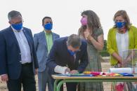 Coloca la primera piedra del nuevo Centro de Educación Especial 'Cruz de Mayo', en Hellín (Albacete)