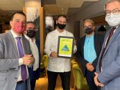 El consejero de Agricultura, Agua y Desarrollo Rural  acude al restaurante 'Biosfera by Aurum'