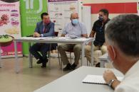 El consejero de Agricultura, Agua y Desarrollo Rural visita las instalaciones de la cooperativa Coopaman