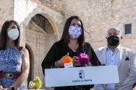 El presidente de Castilla-La Mancha, Emiliano García-Page, inaugura la vivienda de mayores de Torrubia del Campo (Cuenca)