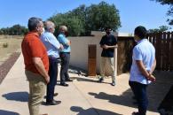 El viceconsejero de Medio Rural, Agapito Portillo visita las instalaciones del hotel Miluna Open Natura Rooms