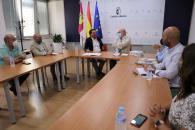 El consejero de Agricultura, Agua y Desarrollo Rural, Francisco Martínez Arroyo, mantiene una reunión con el decano del Colegio Oficial de Ingenieros Agrónomos de Albacete para abordar cuestiones relacionadas con la reforma de la PAC.